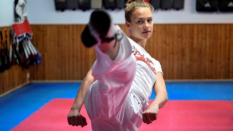 Taekwondostjärnan Nikita Glasnovic i klubblokalen på Snapperupsgatan i Malmö. Foto: Johan Nilsson/TT