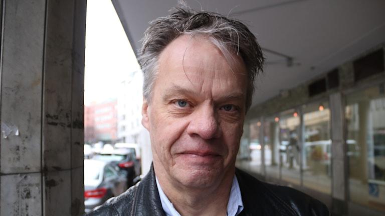 Deckarförfattaren Set Mattsson.