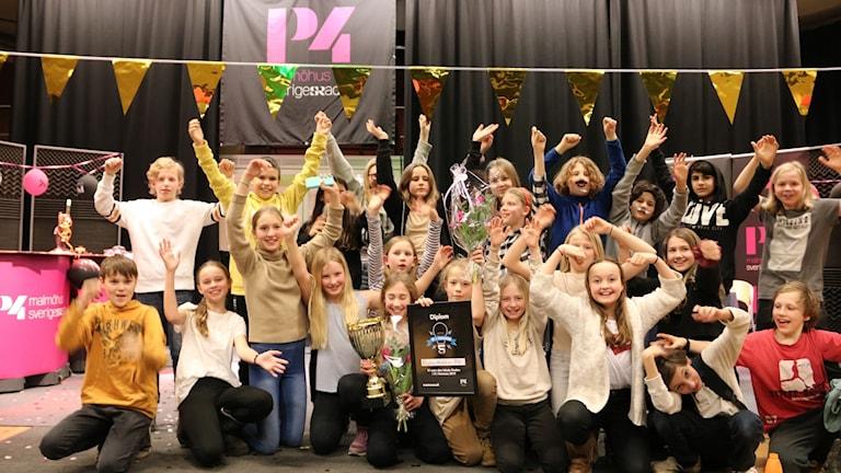 Vårfruskolan klass 5 blå från Lund som vann den lokala finalen.
