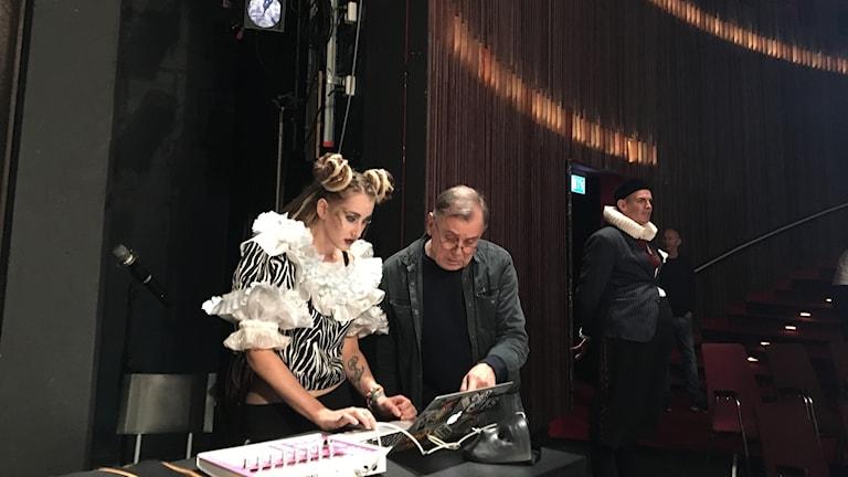 """Rapparen Nicole """"NicVibe""""Wiberg bidrar med både musik och skådespeleri i Peter Oscarsons uppsättning av Romeo och Julia i Helsingborg."""