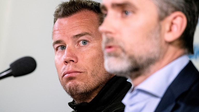 MFF:s nya huvudtränare Daniel Andersson och  vd Niclas Carlnén under måndagens presskonferens på Malmö Stadion.