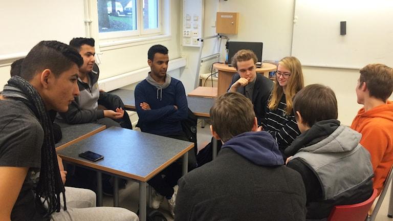 Elever från språkintroduktionsklassen på Polhemsskolan och Gymnasieskolan LBS.