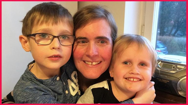 Sarah Malmström Nilsson i Lund och hennes barn Leopold och Josephine. Foto: Sofie Ericsson/Sveriges Radio.