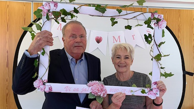 Äntligen, sa Lilian Borgström sedan hon gift sig med sin Jan. Foto: Svjetlana Pastuhovic/Sveriges Radio.