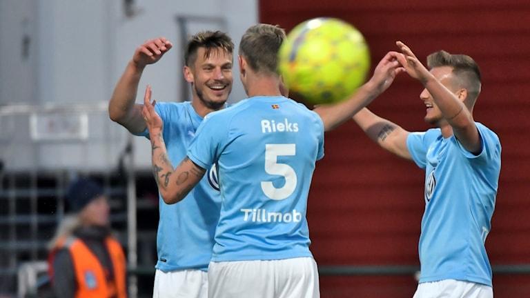 MFF-jubel efter Sören Rieks 3-2-mål i Östersund. Foto: Robert Henriksson/TT.