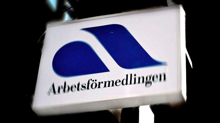 Arbetsförmedlingens skylt i Helsingborg. Foto: Hasse Holmberg/TT