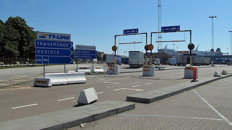 Infarten till hamnen i Trelleborg. Foto: Karl-Johan Löfgren/Sveriges Radio