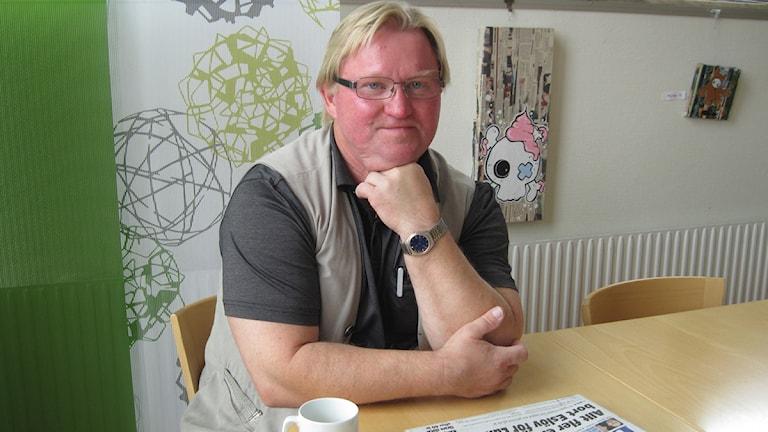 Svalövs tidigare kommunstyrelseordförande Karl-Erik Kruse (S) vill att kommunen ska få ersättning för kostnaderna för transitboendet. Foto: Anna Hanspers/SR