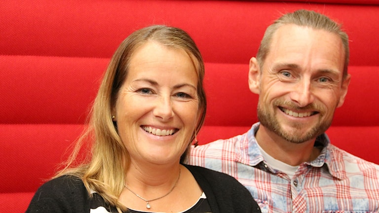 Margareta och Tomas Veber har skrivit bok om sitt stora seglingsäventyr. Foto: Hans Zillén/Sveriges Radio.