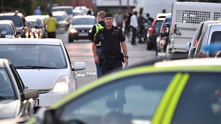 Polis på plats efter dödsskjutningen i Hermodsdal i Malmö. Foto: Johan Nilsson/TT.
