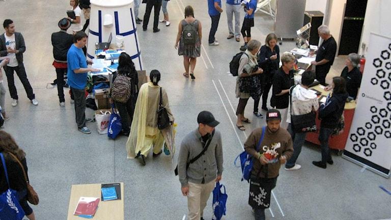 Studenter i korridorerna på Malmö Högskola. Foto: Johanna Hinteregger/Sveriges Radio