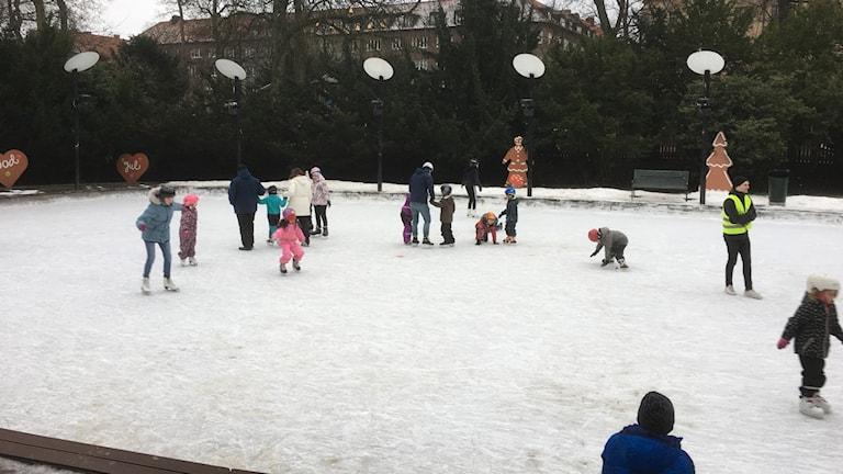 Isbanan i Malmö Folkets Park.