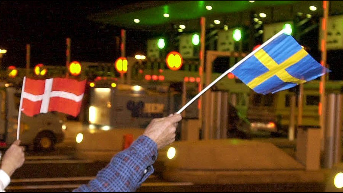 Danska och svenska flaggan. Foto: Anders Wiklund/Scanpix