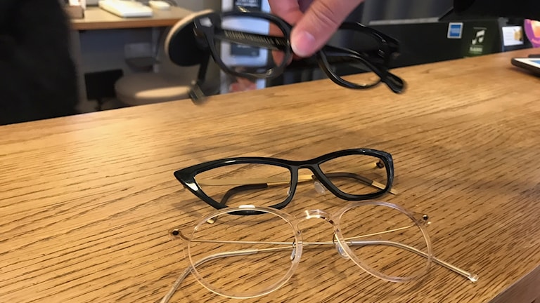 Glasögon.