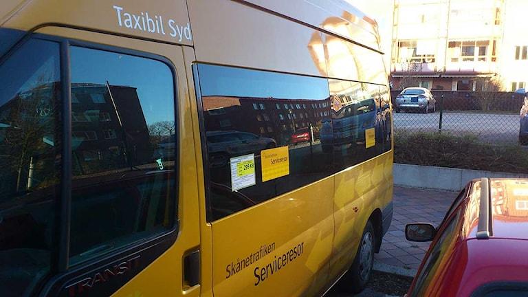Färdtjänstbil. Foto: Tobias Wallin/Sveriges Radio