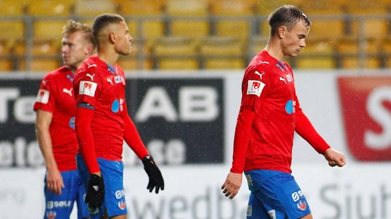 Deppande HIF-spelare efter 0-1 mot Elfsborg. Foto: Björn Olsson/TT.