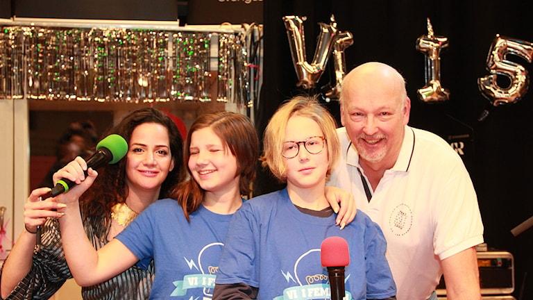 Programledare Suuz, Alma, Henry och domare Gunnar.