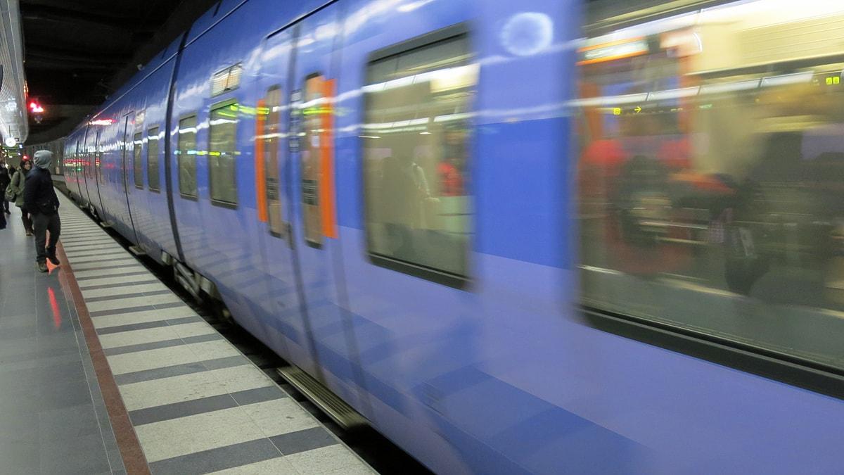 Hon förstod att något var fel med pojken på tåget - magkänslan var rätt