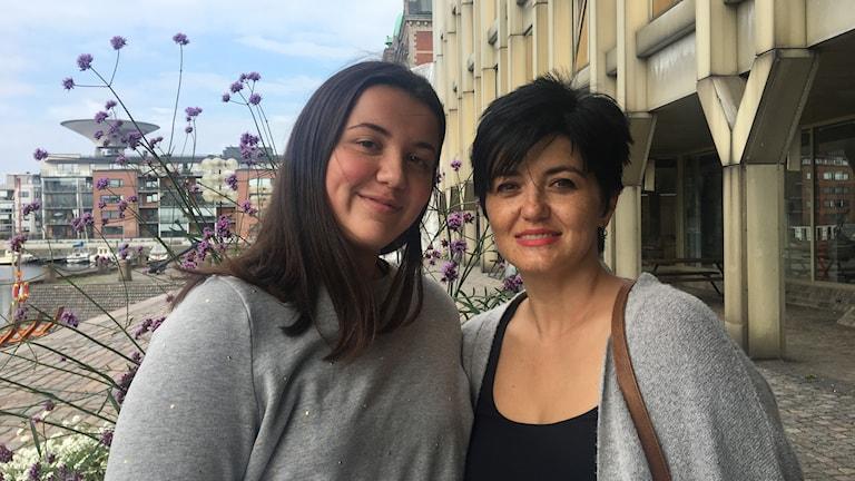 Miriana Masinova och mamma Marija trivs i Landskrona.