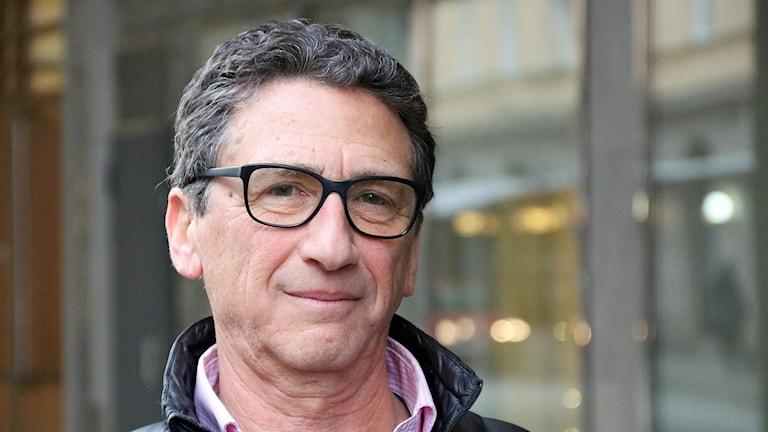 Peter Vig, en av dem som arrangerar kippavandringar i Malmö. Foto: Hans Zillén/Sveriges Radio.