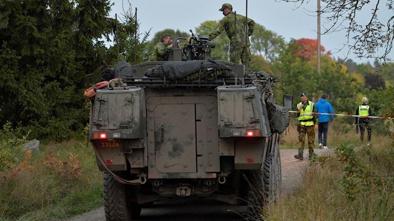 Tre från regementet P7 i Revinge skadades när ett stridsfordon krockade med ett tåg under övning i Sörmland. Foto: TT.