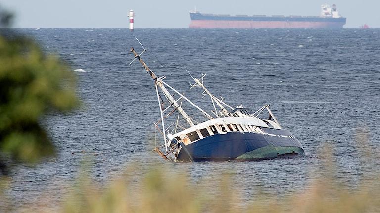 Den ombyggda fisketrålaren Sundland som gick på grund vid Öresundsbron i oktober 2010. Foto: Drago Prvulovic/TT