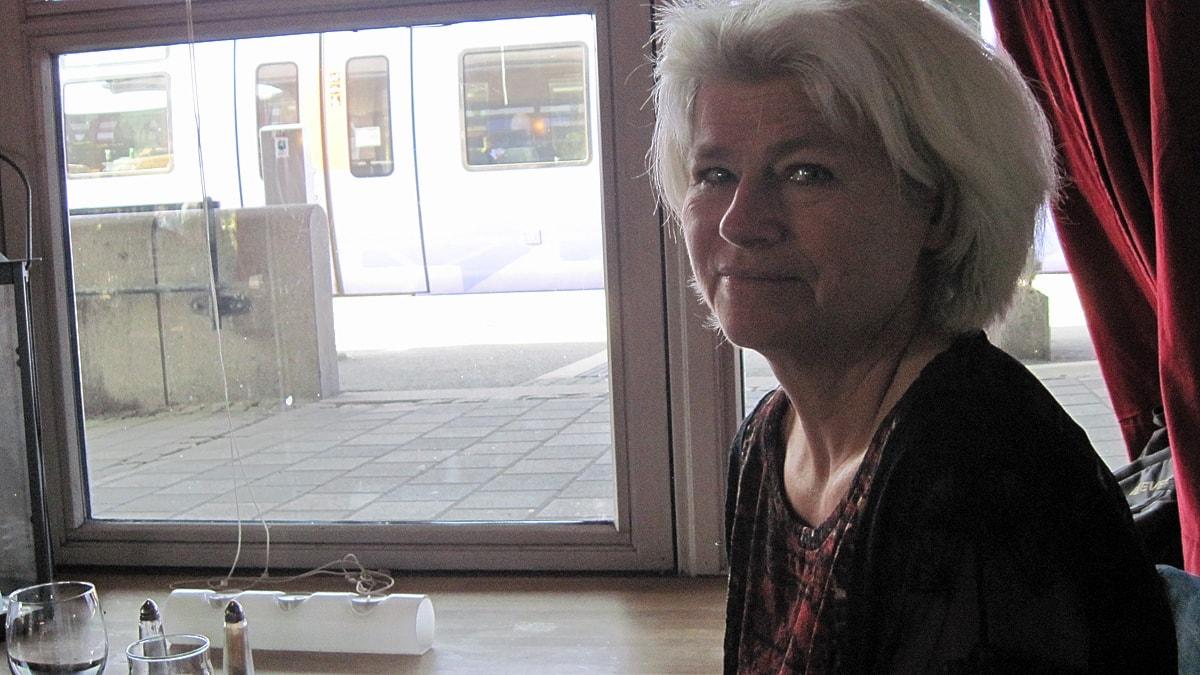 Karin Svensson Smith (MP) på restaurang Godset i Lund. Foto: Svjetlana Pastuhovic/Sveriges Radio