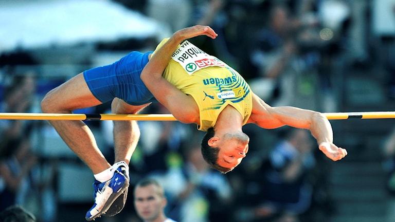 Linus Thörnblad hoppar i höjdhoppskvalet i EM i Barcelona.