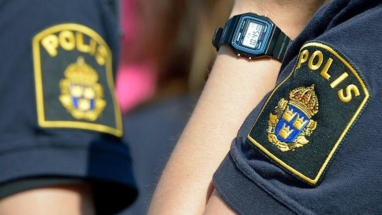 Poliser i sommaruniform. Foto: Bertil Enevåg Ericson/TT