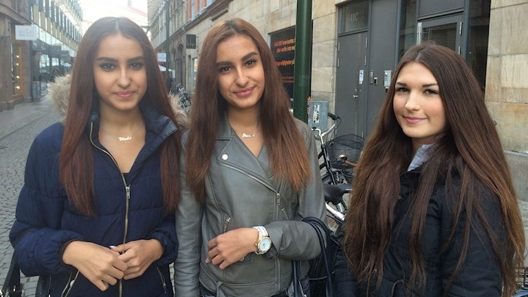 Warda El-bajid-di, Jasmina El-bajid-di och Ariana Gashi