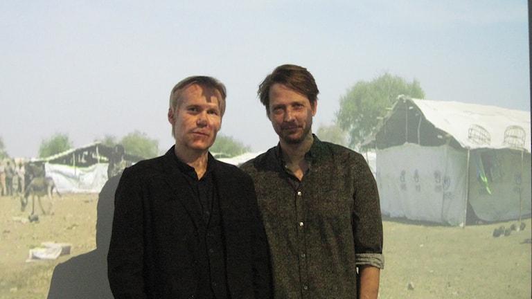 Peter Norrman och Anders Birgersson framför videoverket