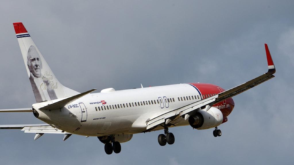 Norwegianplan av typen Boeing 737-800 på väg att landa på Arlanda. Foto: Johan Nilsson/TT