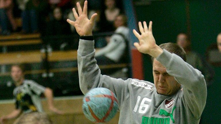 Handbollsmålvakt Oscar Jensen, tidigare i Lugi, nu i H 43. Foto: Adam Ihse/TT