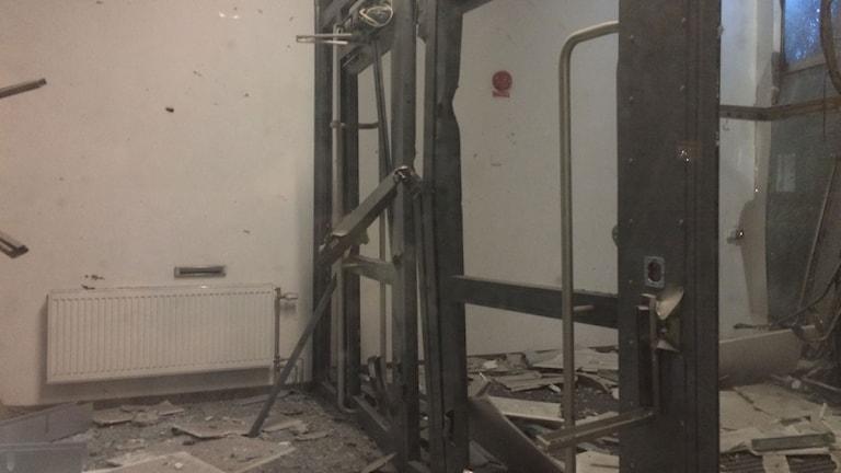 Schäden im Eingansbereich des Rechtszentrums in Malmö  (Foto: Anton Kalm/Sveriges Radio )