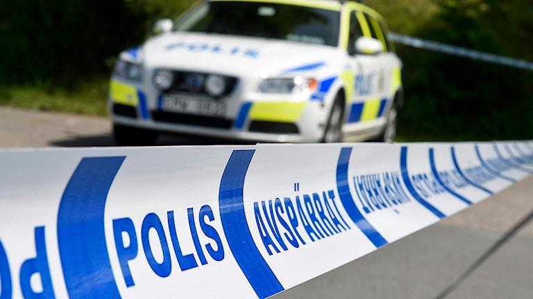 Avspärrningar och polisbil. Foto: Mikael Fritzon/TT