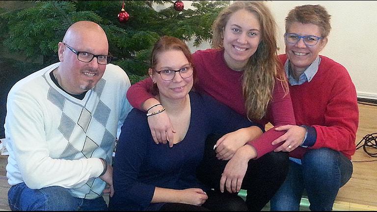 Stefan, Amy, Olivia och Mia Espersson. Foto: Malin Thelin/Sverige Radio