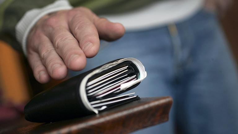 Man försöker stjäla plånbok. Foto: Fredrik Sandberg/TT