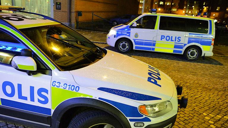 Poliser på plats efter dödsskjutningen i Eslöv. Foto: Johan Nilsson/TT