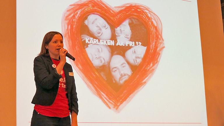 Lisa Ekström, projektledare för Rädda Barnens kärleksprojekt i Malmöskolor. Foto: Edina Hrustic/Sveriges Radio