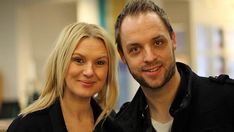 Sanna Nielsen och Robin Paulsson, programledare i årets Melodifestival är hemma i Skåne. På lördag är det delfinal i Malmö arena. Foto: Karin Olsson-Bendix/Sveriges Radio