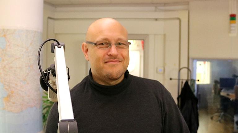 Späkguiden Jacques Schultze pratar i radio om Halloween.