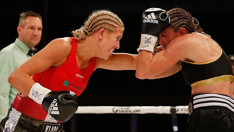 Klara Svensson under matchen mot italienskan Lucia Morelli. Foto: Lise Åserud/TT