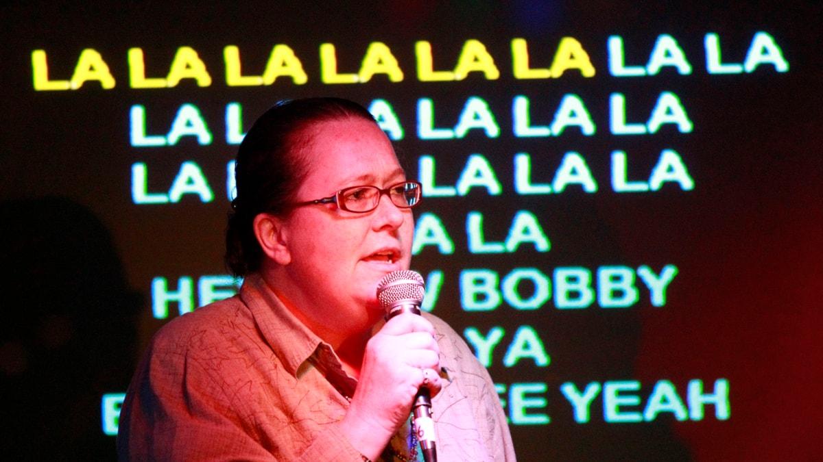 Karaoketävlare. Arkivbild. Foto: Rick Bowmer