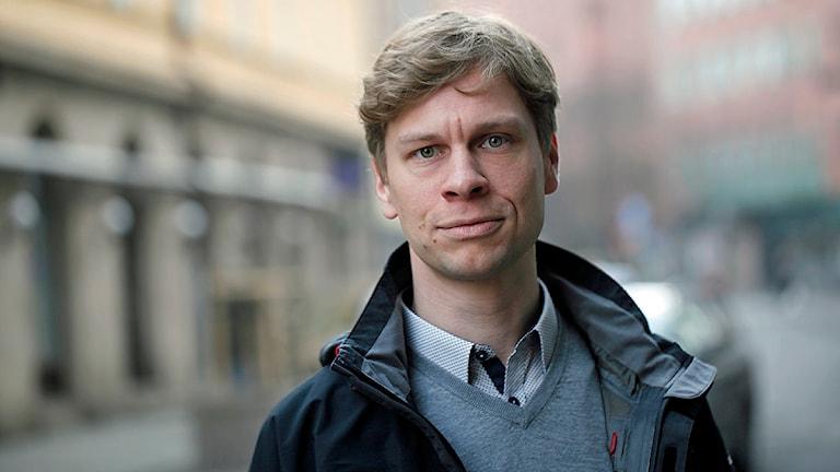 Johan Bergström, lektor vid Lunds universitet som forskar på riskhantering, säkerhet och utredningar kring olyckor. Foto: Karin Olsson-Bendix/Sveriges Radio