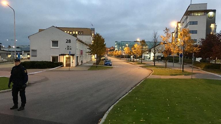 Avspärrningarna runt polishuset i Helsingborg.