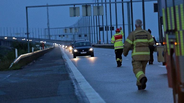 Öresundsbron stängd på grund av polisinsats där svensk och dansk polis grep fyra personer. Foto: Mathias Øgendahl/TT