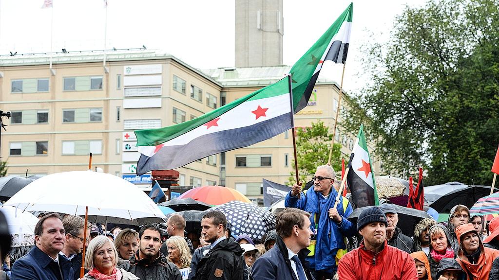 Statsminister Stefan Löfven vid manifestationen till stöd för flyktingar. Foto: Maja Suslin/TT