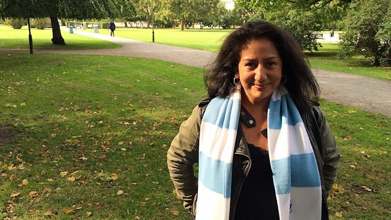 Tammy Jara, MFF-supporter från Malmö som följt med sitt lag till Paris. Foto: Madeleine Fritsch-Lärka/Sveriges Radio