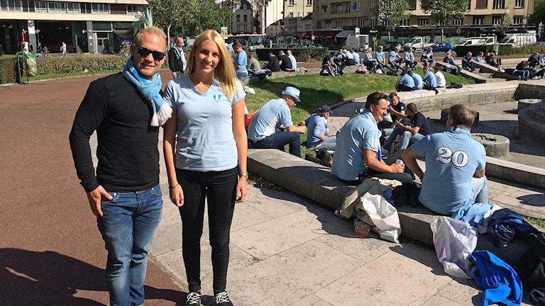 Daniel Petersson och Rebecka Bengtsson laddar inför matchen i Paris. Foto: Madeleine Fritsch-Lärka