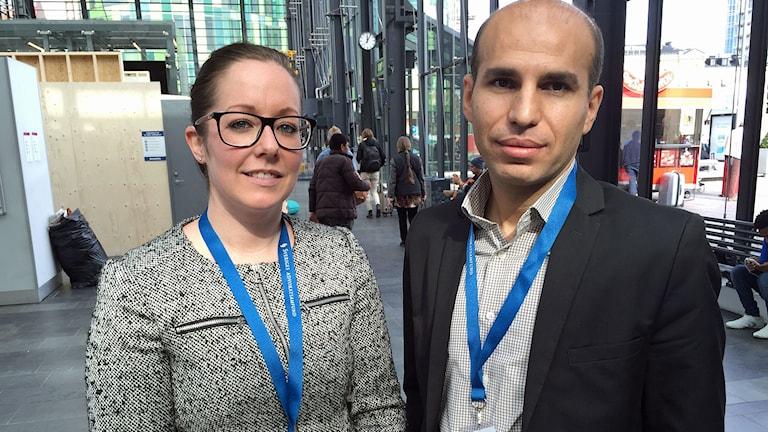 Anna Lööv Schöning och Sait Umdi är jurister som jobbar på Malmö central. Foto: Nadia Jebril/Sveriges Radio